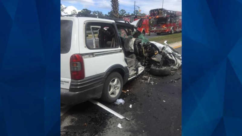 Mom purposely crashes minivan