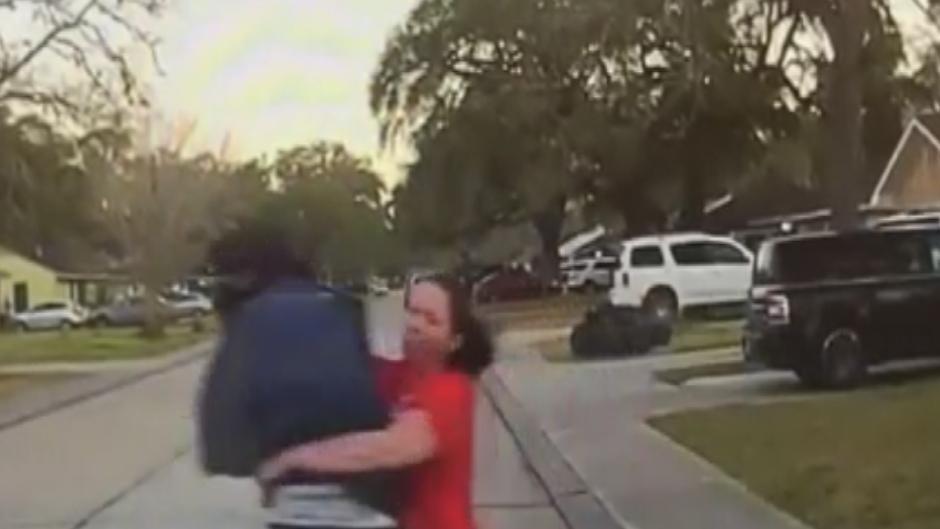 WATCH: SEE IT: Mom tackles Peeping Tom looking in teen daughter's bedroom [Reports]