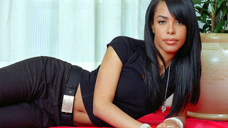 Aaliyah in black shirt